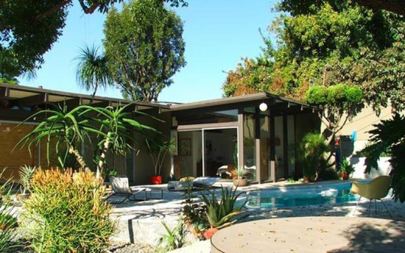 1960s Whitney Smith Designed Modernism Home