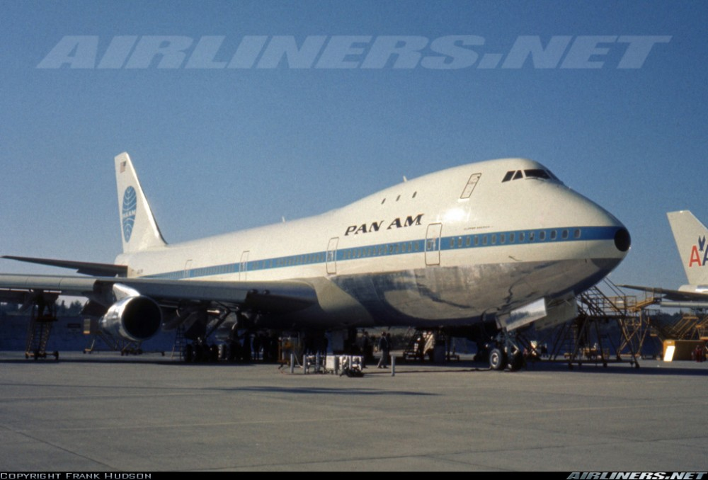 Pan Am Boeing 747 parked up