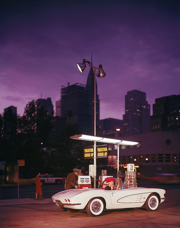 corvette-gas-night