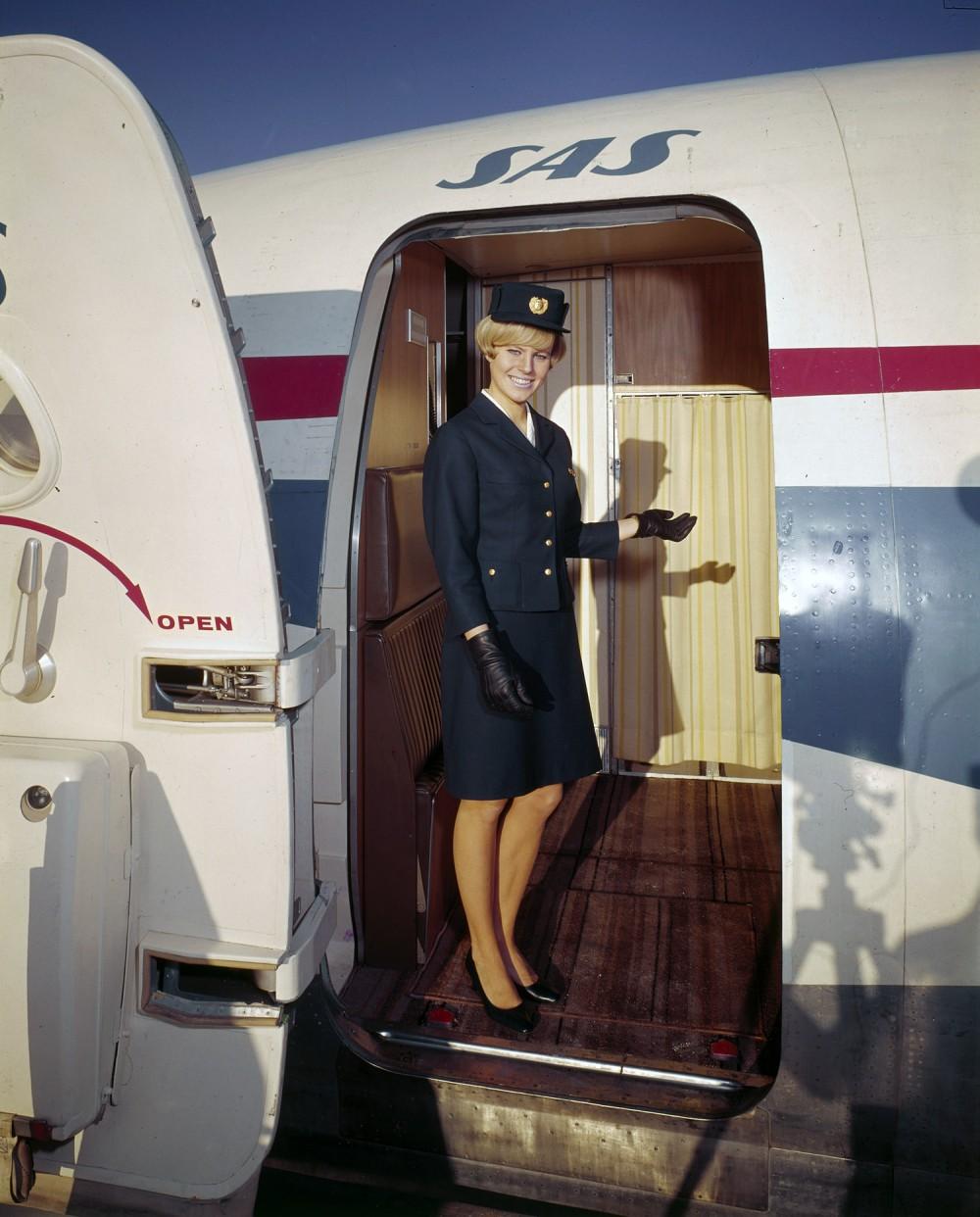 Flight attendant gets jet logs hardcore sex in plane to a hot horny passenger Part 5